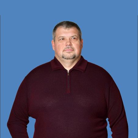 <b>Денис Послушаев</b>